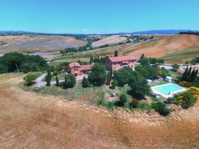 Photo for Agriturismo with pool, beautiful view, near Siena, Crete Senesi