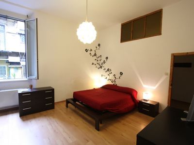 Photo for Pantheon Tower apartment in Centro Storico with WiFi & air conditioning.