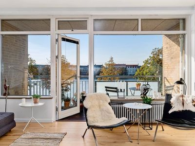 Photo for Cozy and Modern Flat with Great View of The Lakes!