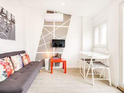 Photo for Charming 1bed with balcony in Lapa