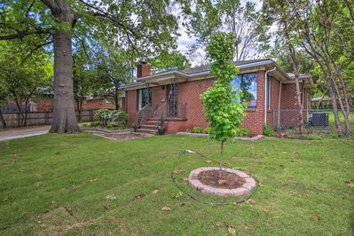 This 2-bedroom, 2-bath home is located just 1 block from the Philbrook Museum.