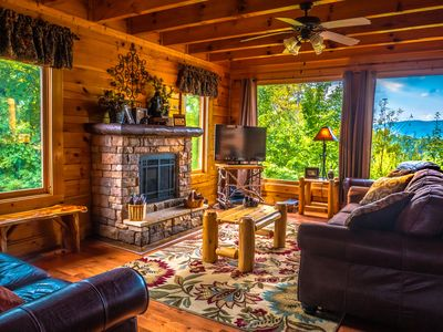 Photo for 2BR/2BA Luxury Cabin. Full amenities, Pool, Hot Tub. Amazing Views. Sleeps 10