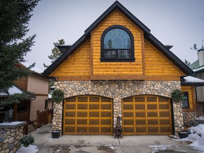 Photo for Beautiful 4 Bedroom Mountain Home in Canmore with Amazing Views