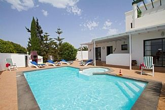 Photo for Family Villa with Private Pool & Pool Table
