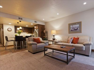 Photo for Elegant & Contemporary 1 BR Mntsid Condo, Wireless, Pool/Spa