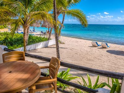 Photo for Charming condo great for families - Beachfront, Wifi, AC