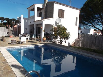 Photo for Spacious Villa with Private Pool