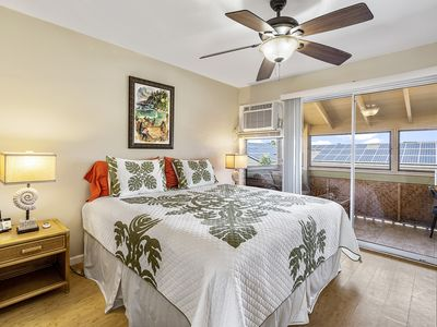 Photo for Kona Shores 221 Beautiful Top Floor Corner Condo w/AC!
