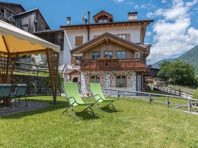 """Photo for Rural Apartment """"Spleuza"""" with Garden and Wi-Fi; Pets Allowed, Parking available"""