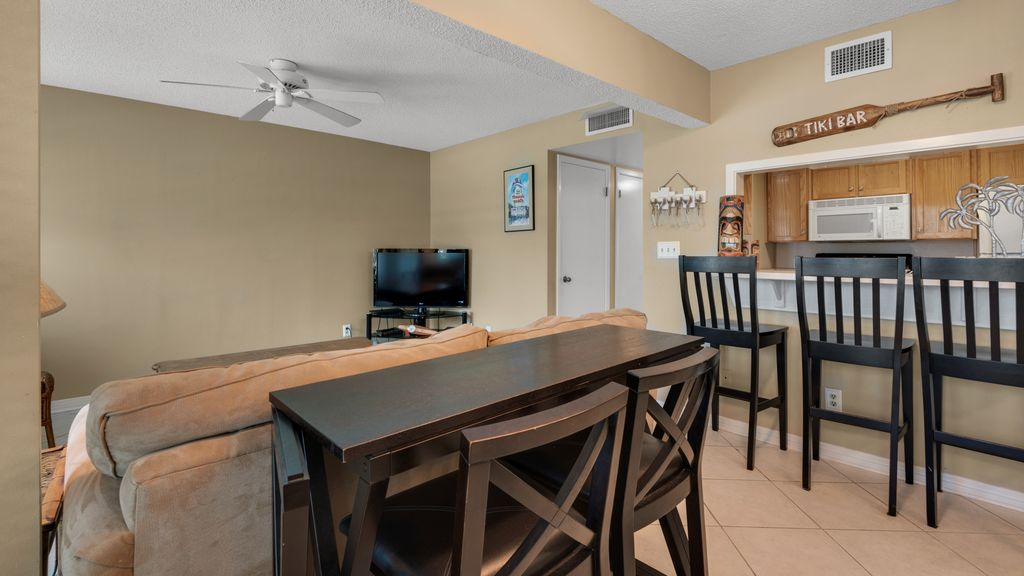 LaBahia unit 128 - 1 bedroom/2 bath Soundside Condo; sleeps 4.Free WiFi.Pool