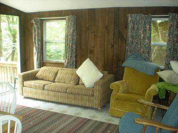 A Perfect Get-away For A Family, Large Or Small In A Woodsy, Streamside Setting