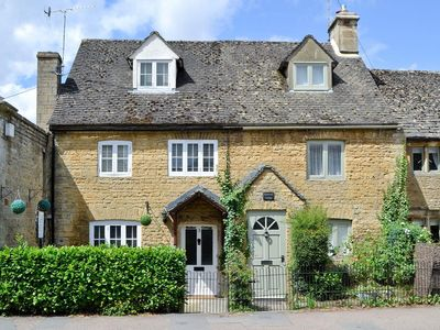 Photo for 2 bedroom property in Bourton-on-the-Water. Pet friendly.