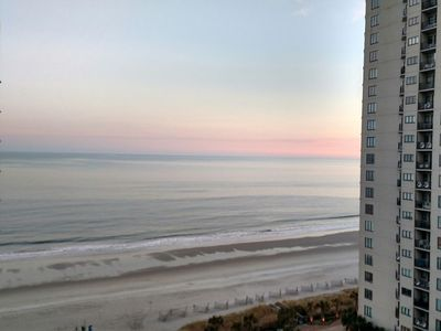 Beautiful oceanview 1 bedroom with king bed, full kitchen, 22 water attractions