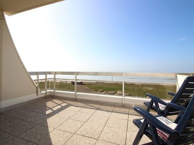 Photo for Sea facing apartment for 4 people, ground floor with terrace.
