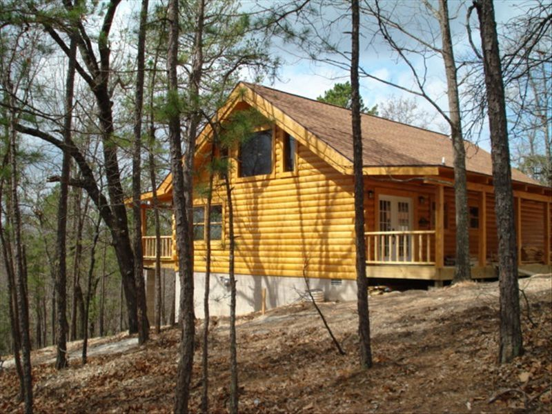 Blue Eye Cabin Rental   Bear Cliff With Its 18 Foot High Rustic Beams And  Large