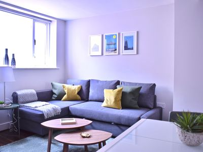 Photo for 1 Bedroom Flat in Dublin City Centre - One Bedroom Apartment, Sleeps 4