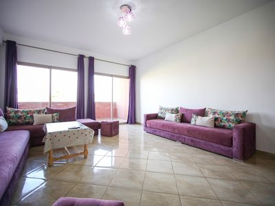 Photo for Well equipped apartment, 3 bedrooms, large living room, Garden and swimming pool