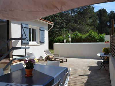 Photo for Provencal house completely renovated with swimming pool located in the pine forest