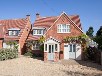 Photo for A superb contemporary house, a two minute walk from the beach in Old Hunstanton