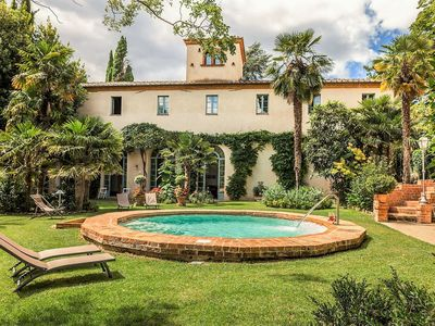 Photo for Beautiful apartment in villa for 2 guests with pool, WIFI, TV and parking, close to Montepulciano