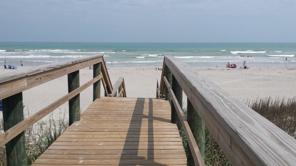 Cocoa Beach Direct Oceanfront 3 Bedrooms Great Location