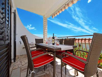 Photo for Seaview terrace, 3 bedroom Apt 80m to beach & crystal clear water, BBQ
