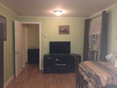 smart TV, access to WiFi, dining area