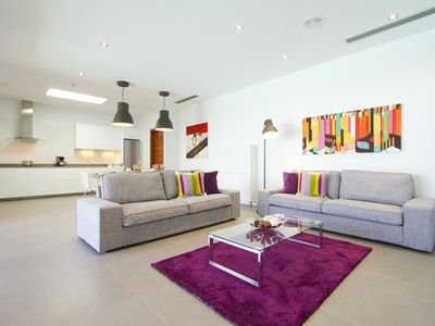 Photo for Luxury villa with heated private pool, jacuzzi and barbecue area