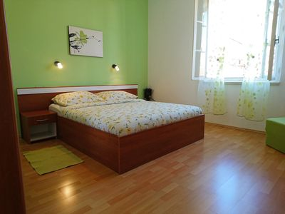 Photo for Charming apartment in the centre - 5 minutes to everything