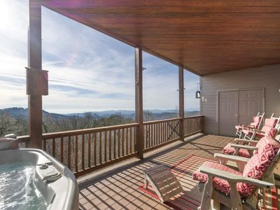 Photo for Sugar Buzz -Condo on Sugar Mountain with Amazing Views, Hot Tub, Walk to Slopes!
