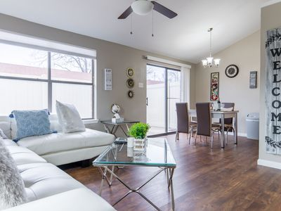 Photo for ⚡ The Dallas Oasis⚡ Fast Wifi/King Bed/Netflix/Disney+