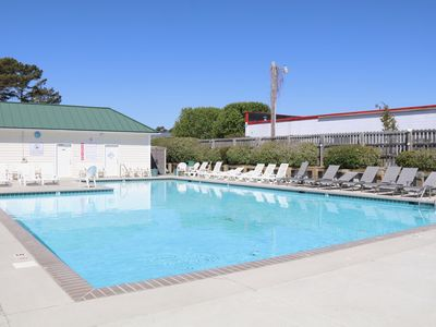 Photo for 2 BR Condo- Close to Beach, w/Pool and Linens!
