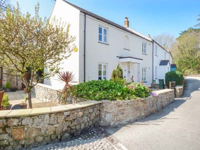 Photo for POLDARK COTTAGE, family friendly in Charlestown, Ref 956229