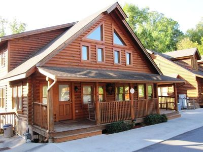 Photo for Log cabin with full resort amenities half-mile from the Parkway