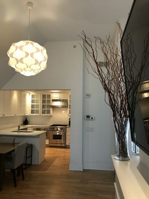 Modern & clean - 5 min from train station to NYC