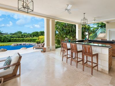 Photo for Caribbean Casas: Luxurious Villa Dulce up to 10 guests, just 2.5km to the beach!