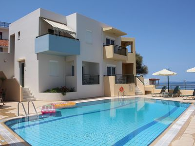 Photo for Holiday home complex with pool, close to the sea, wifi | Sfakaki, Crete
