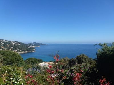 Photo for Apartment in detached villa with panoramic sea view & beaches on foot