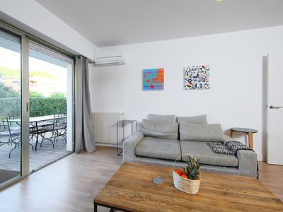 Photo for Apartment 18 m from the center of Antibes with Internet, Air conditioning, Lift, Parking (346916)