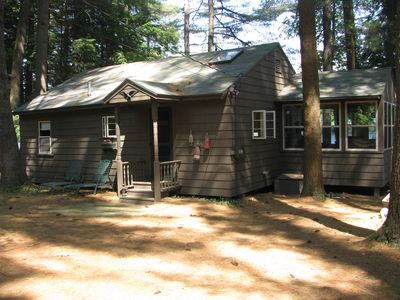 Photo for Charming Bear Pond Cottage