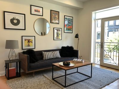 Photo for Modern East Lakeview Chicago Luxury Condo 3 bed / 2 bath in Prime Area