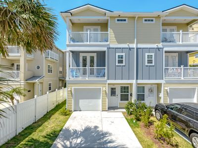 Photo for Ultra-Modern Beach Townhouse|BBQ Grill| Beach Towels | Steps to the Beach!