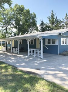 Lake McConaughy Cabin within walking distance to beach!