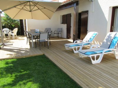 Photo for At the beach in 3 minutes walk from a friendly house of 90m2 with garden