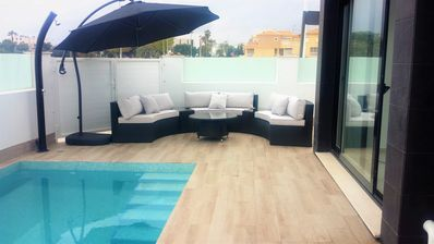 Photo for Beautiful, modern detatched villa. South facing with private pool and solarium.