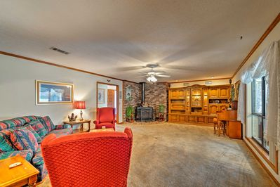 Up to 6 guests will enjoy ample space and charming decor.