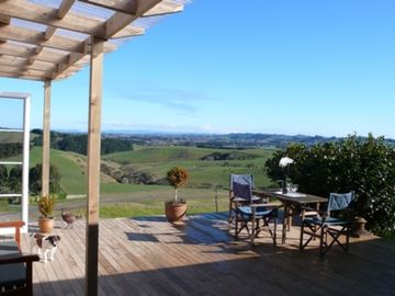 Clevedon private andamp; quiet with stunning views