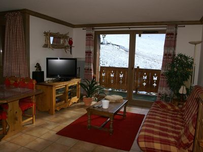 Photo for 150m from resort center, terrace, balcony, parking, tv, ski locker, 42m², Les 7 Laux