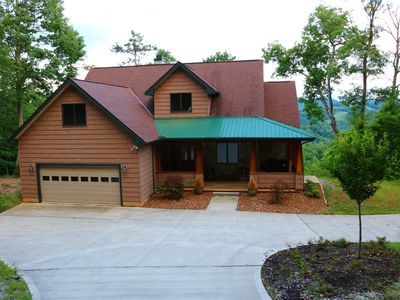 Photo for Vista Lael Lodge is a gorgeous vacation cabin with views of Norris Lake.