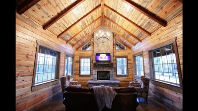 Relaxing Luxury Cabin In Broken Bow, OK